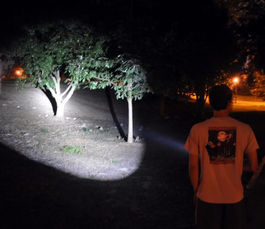 tactical flashlight high lumens